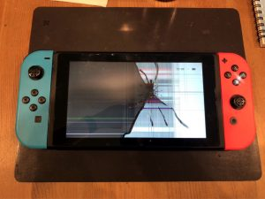 Nintendo Switch 液晶 割れ 見れない