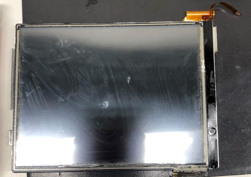 3DSLL下液晶交換修理取り外した下液晶